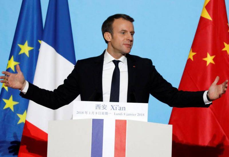 Эмманюэль Макрон во время своего выступления в Сиане, 8 января 2018. REUTERS/Charles Platiau